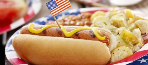 Throw a Classic July 4th BBQ - thespruce.com