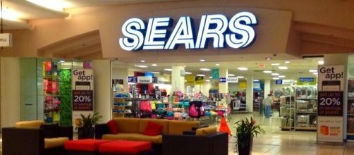 20 more Sears stores are closing down/Photo via Mike Mozart, Flickr