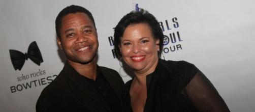 Actor Cuba Gooding, Jr and BET CEO Debra Lee on a red carpet/Photo via https://www.flickr.com/photos/drivingthenortheast/6189737631