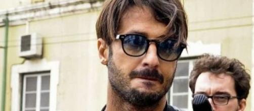 Fabrizio Corona: aria di fiori d'arancio per l'ex re dei paparazzi - blogspot.com