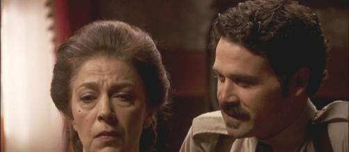 Il Segreto: Cristobal Guarrigues tiene in scacco Donna Francisca