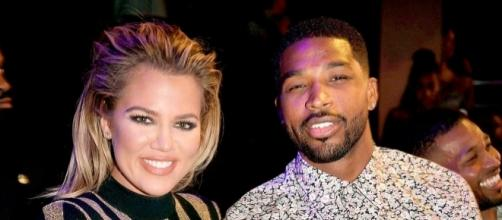 Is Khloe Kardashian going to be a mom soon? New photo revealed that she may be carrying her first baby. (via Blasting News library)