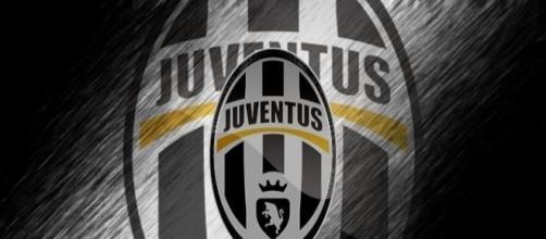 La Juventus prepara i primi colpi per presentarsi come re del mercato.