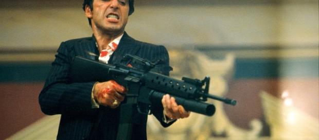 "Al Pacino em cena de ""Scarface"" (1983)"
