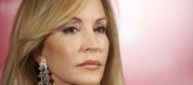 Carmen Lomana a Belén Esteban: 'Vas de moralista y me debes 30.000 euros'