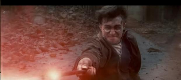 "Daniel Radcliffe as Harry Potter in ""Harry Potter and the Deathly Hollows"" trailer. (Youtube/Warner Bros. Pictures)"