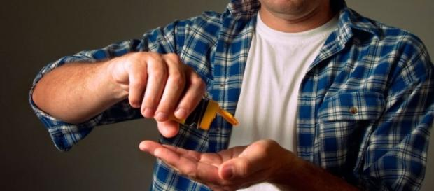 O que pode acontecer se um homem tomar um anticoncepcional. ( Foto: Reprodução)
