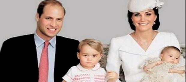 The Duke of Cambridge, Duchess Kate Middleton, Prince George and Princess Charlotte / Photo via Welcome , YouTube