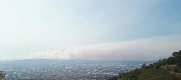 Vesuvio coperto dai fumi (foto Susy Pepe)