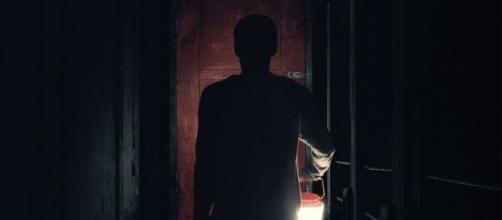 Cartel de 'Viene de Noche' (vía Google)