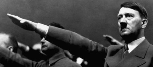 Homem afirma ser Adolf Hitler. ( Foto: Reprodução)