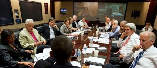 President Obama meets in the Situation Room to discuss chemical attack by Syria (wikimediacommons)