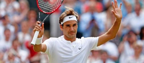 Roger Federer keeps Wimbledon dream alive after five set thriller ... - beyondthegame.tv