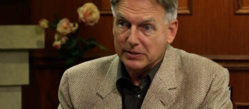 The character of Mark Harmon is said to have a new love interest in 'NCIS' Season 15. (Image Credit: Larry King/YouTube Screenshot)