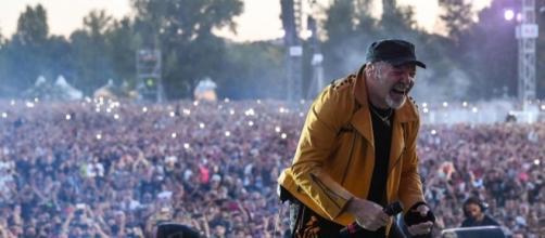 Vasco Rossi durante il concerto al Modena Park