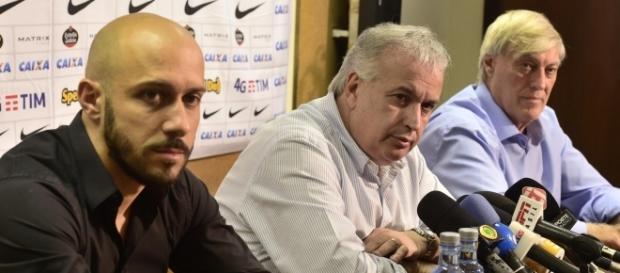 Diretoria do Corinthians tenta segurar, mas pode perder dois jogadores (foto: Fernando Dantas/Gazeta Press)