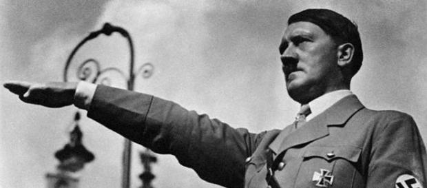 Hitler è vivo. Sarebbe questa la bufala che si aggiunge all enigma sulla sua presunta morte