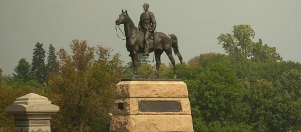 Statue of Robert E. Lee at Gettysburg (Wikimedia public domain)