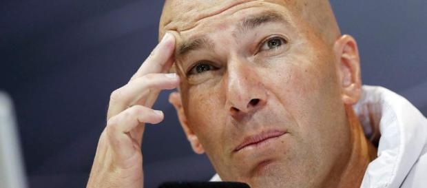 """Zidane no asegura su continuidad y cree que Cristiano debe ser """"el ... - diez.hn"""