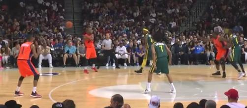 BIG3 League Week 1 action featuring 3s Company and the Ball Hogs playing in Barclays Center at Brooklyn, NY. [Image via Fox Sports/YouTube]