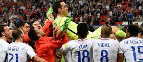 Claudio Bravo se lució en los penales ante Portugal
