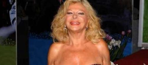 Sandra Milo: l'attrice si confessa, le dichiarazioni su Virginia Raffaele - virgilio.it
