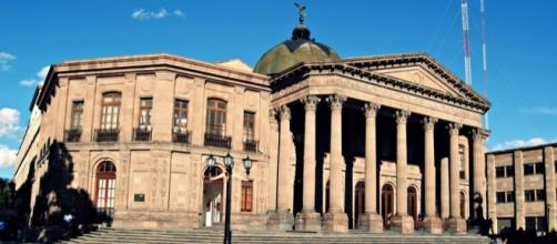 Teatro de la Paz, edificio emblemático de la capital. Fotografía: Diana López
