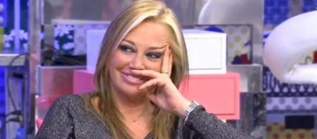 """Belén Esteban durante la emisión de """"Sálvame"""""""