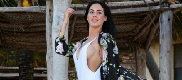Giulia De Lellis criticata per i suoi viaggi - velvetstyle.it