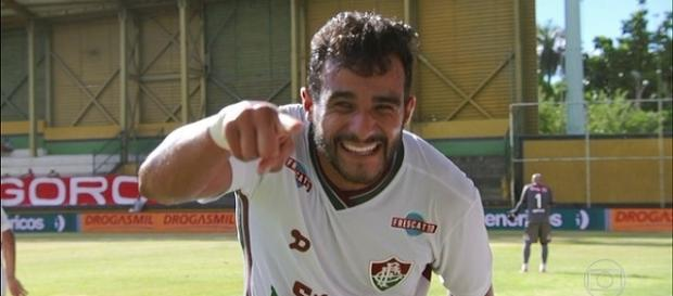 Henrique Dourado vive fase positiva e quer cumprir vínculo com o Fluminense (Foto: Reprodução/TV Globo)