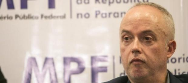 Procurador da Lava Jato critica duramente ministro da Corte Suprema