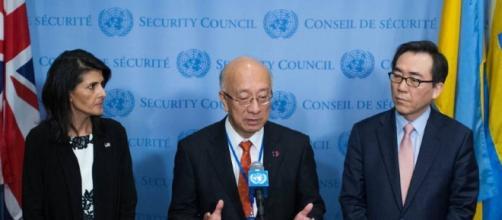 Fearing war, China says if U.S. halts drills, North Korea may back ... - japantimes.co.jp