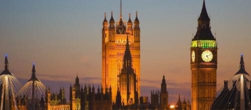 London Bridge attack treated as potential terror attack. Photo: Blasting News Library - wsimag.com