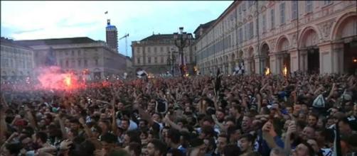 Torino: falso allarme in piazza San Carlo durante la finale della Champions League.