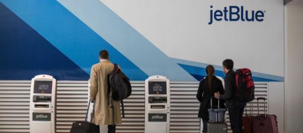 JetBlue testing using selfies to let passengers board plane ... - businessinsider.com