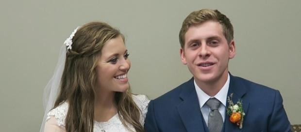 Joy-Anna Duggar and Austin Forsyth on their wedding day (Photo via TLC/Twitter)