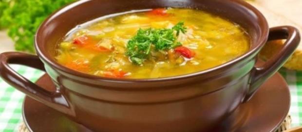 Sopa detox de frango (Foto: Internet)