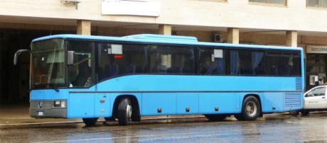 Bus in sosta. Immagine di repertorio