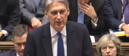 Autumn Statement 2016 Philip Hammond on his way to Parliament to ... - thesun.co.uk