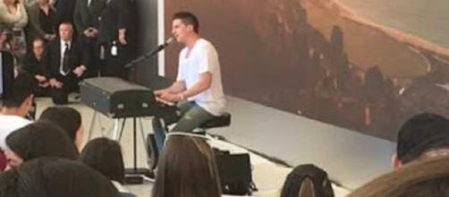 """Charlie Puth was even better than Superman on """"Today,"""" saving the morning in song.--Screencap Maana Terachi/YouTube"""