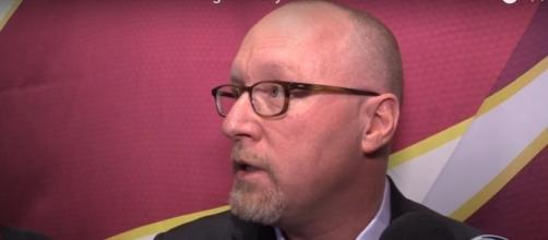 David Griffin possible candidate to replace Phil Jackson - (Image credit: youtube.com)