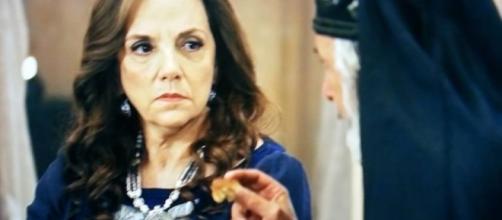Elga fica frustrada na noite de núpcias (Foto: Reprodução/ Record TV)