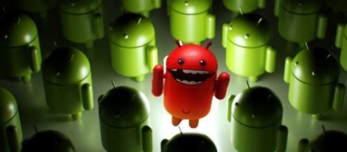 Palysotr tem 317 apps infectados com malwares