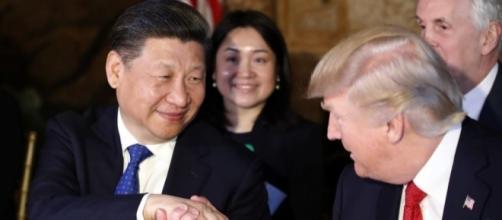 In foto, il presidente degli Stati Uniti Donald Trump e il presidente cinese Xi Jinping.
