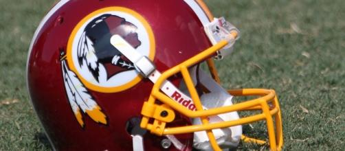 Washington Redskins helmet (Keith Allison Flickr)