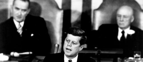 Why Do People Persist in Denying the Moon Landings? | National Air ... - si.edu