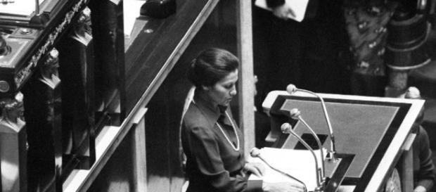 Discours de Simone Veil à l'Assemblée Nationale, porteuse du projet de droit à l'IVG
