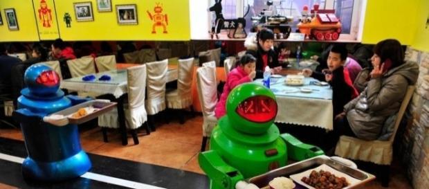 Un giorno sarà un piccolo robot a portarci il pranzo?
