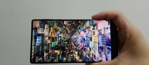 Xiaomi Mi Mix and Samsung Galaxy S8 Rumours with highlight of Dell (image: YouTube)