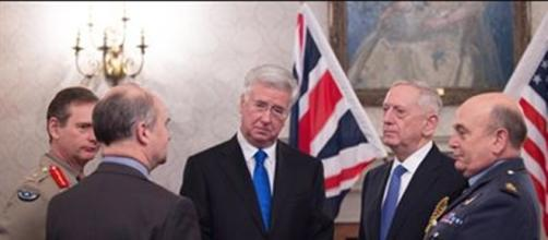 Jim Mattis speaks with British Defense Secretary Michael Fallon, March 31, 2017. DoD photo by Army Sgt. Amber I. Smith